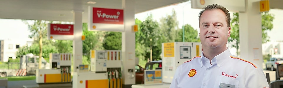 Jan Willem Shell Station Manager